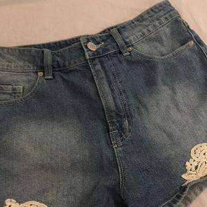 BDG Shorts - BDG High Rise Erin 5 Pocket Shortie Crochet